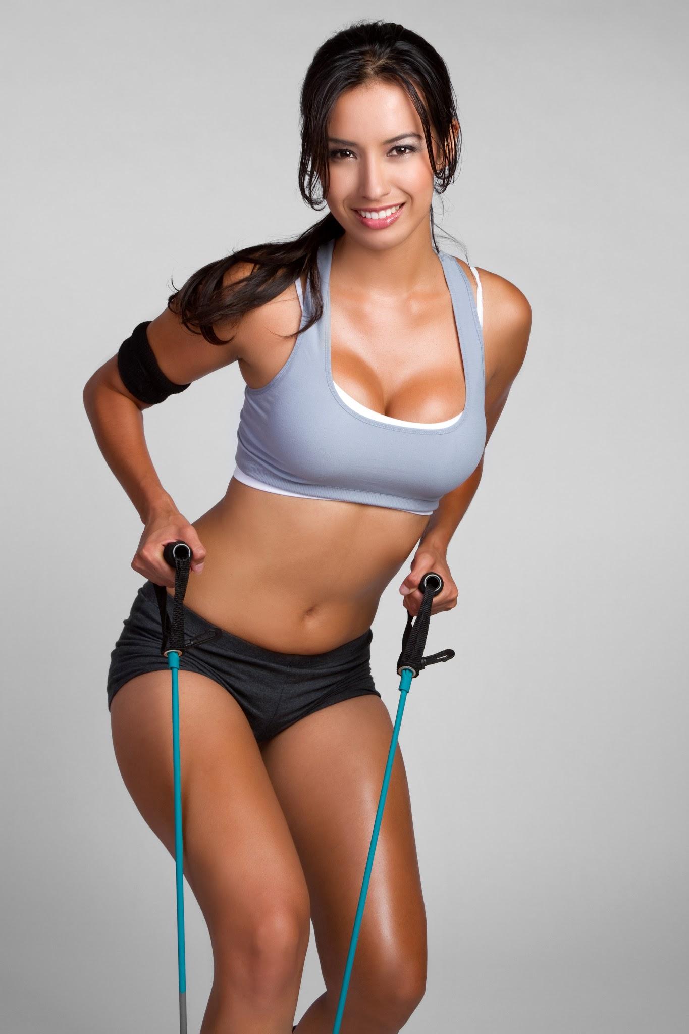 kobieta ćwiczy fitness