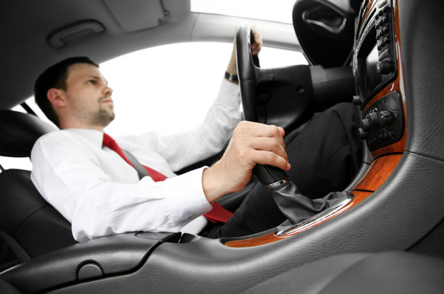 Poduszka lędźwiowa do samochodu - czym jest, jak działa, czy warto?